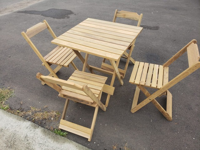 Promoção de Conjunto de mesa e 4 cadeiras dobrável - Foto 2