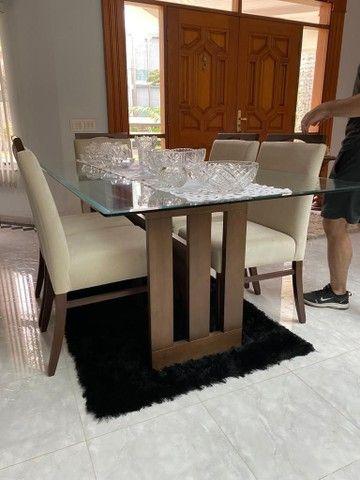 ABAIXOU! Mesa de jantar de vidro c/ 6 cadeiras estofadas - Foto 4