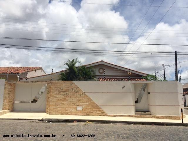 Casa no Farol para fins comercial ou Residencial - Maceió - AL