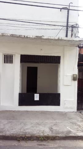 Ponto comercial com 1 loja e 2 salas a 30m da Av Jõao Pessoa em Fortaleza