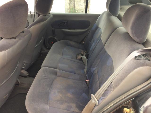 Clio Sedan 2002 - revisado - Foto 7
