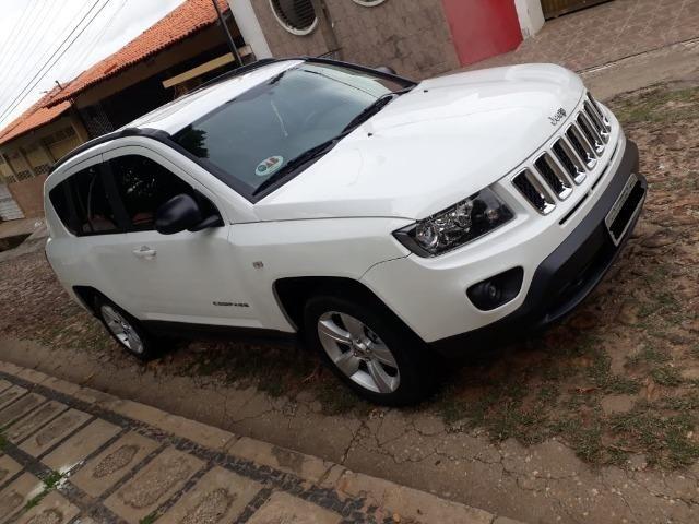 Jeep Compass Sport 2.0 + Banco de Couro/Central multimídia