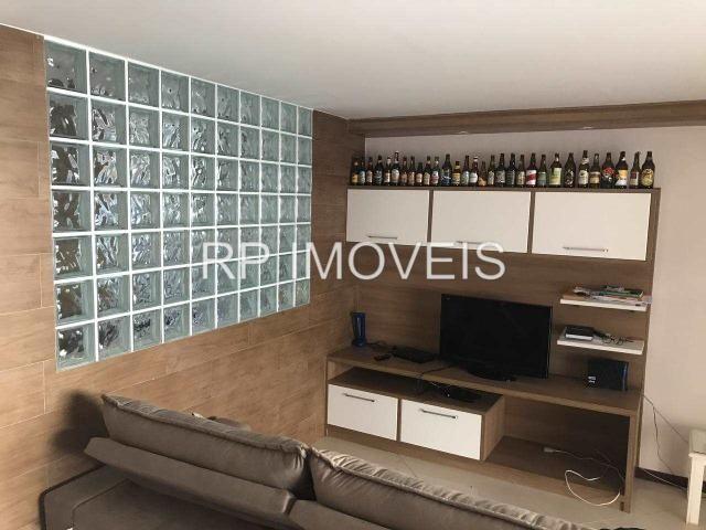 Casa de 3 quartos com área gourmet e armários planejados no bairro São Pedro