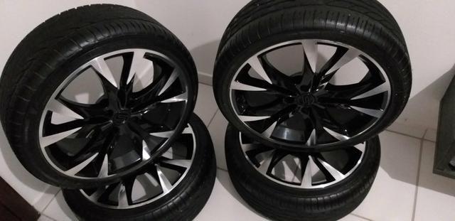 Vendo jogo de rodas aro 17 da scorro com pneus bons