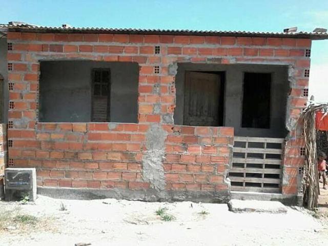 Vendo casa em nome de Jesus