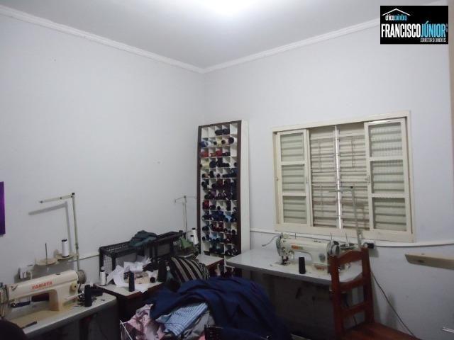 Casa no Setor Coimbra, 3 quartos (1 suíte), ótima localização, encostado no Hiper Moreira - Foto 15