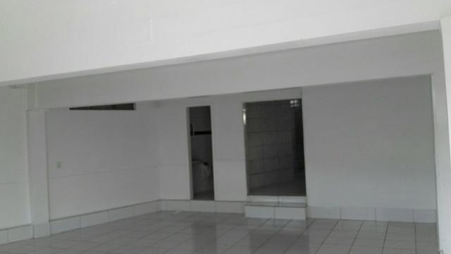 Aluga-se sala comercial + residência - Foto 4