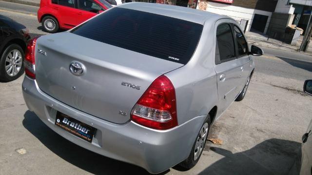 Toyota Etios Sedan XS 1.5 Manual 2014 GNV 5 Geração - Foto 10