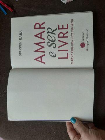 Livro Amar e ser livre - Prem Baba - Foto 2
