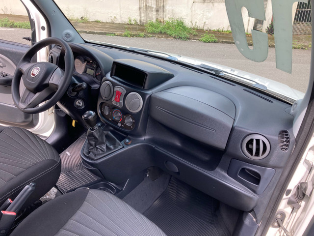 Fiat Doblô Essence 1.8 Flex Manual 2015 (GNV 5ª Geração) - 6 Lugares - Foto 11