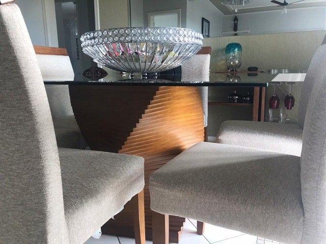 Mesa de jantar quadrada 6 cadeiras semi usada - Foto 2