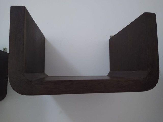 Vende-se Escrivaninha - Madeira Pura! - Foto 2