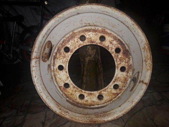 Roda de caminhão 10 furos