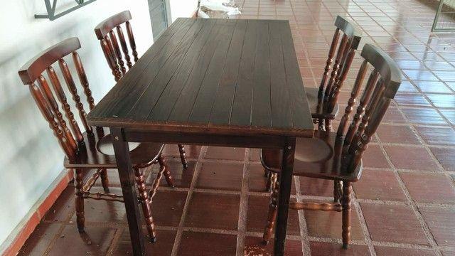 Mesa com cadeiras - Foto 2