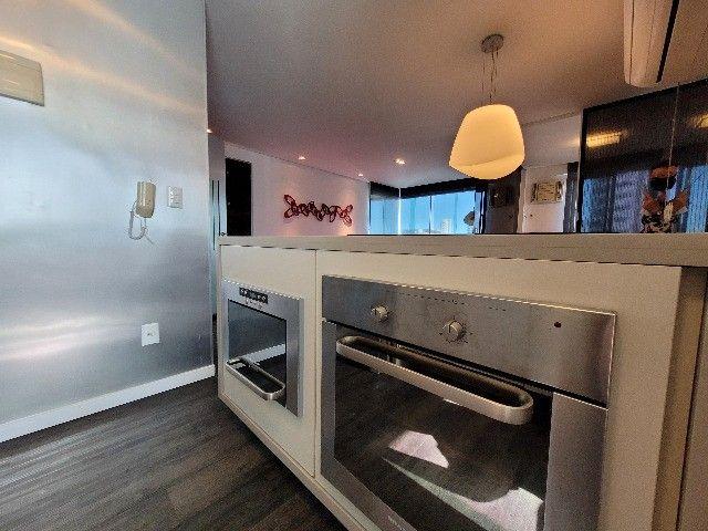 BFN - Luxuoso flat finamente decorado em Boa Viagem com 51m² e piscina na cobertura!  - Foto 18