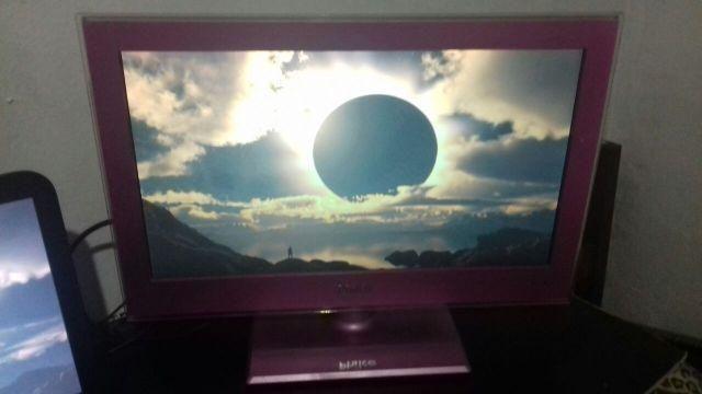 TV Monitor Philco LED 19 com HDMI e USB ( Cor Rosa )