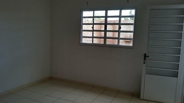 Casa 03 dormitórios para alugar - Foto 4