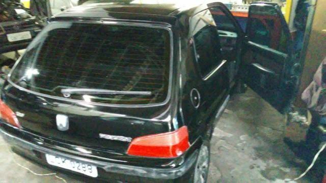 Peugeot 106 98/99 1.0 8 válvulas. Ar, vidros elétricos - Foto 2