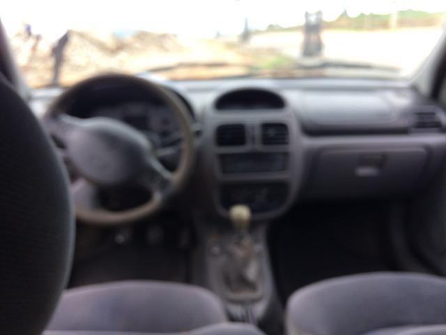 Clio Sedan 2002 - revisado - Foto 3