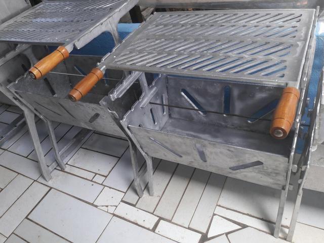 Churrasqueira G de aluminio batido