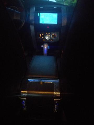Livina 1.8 SL Xgear Automática + GNV(5 geração) Extremamente Nova = 31.900, - Foto 12