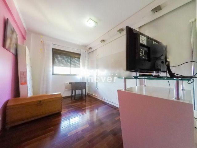 Apartamento 3 Dormitórios, Elevador e 2 Vagas no Bairro Medianeira - Foto 19