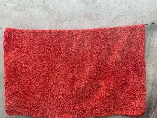 Tapete vermelho só está sujo/1,80 por 2,20 - Foto 2
