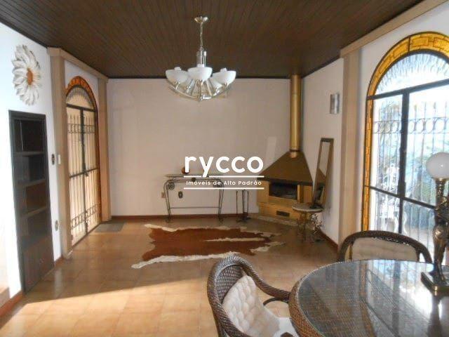Casa, 04 dormitórios sendo 02 suítes com closet, 258m² privativos, amplo living com lareir - Foto 2
