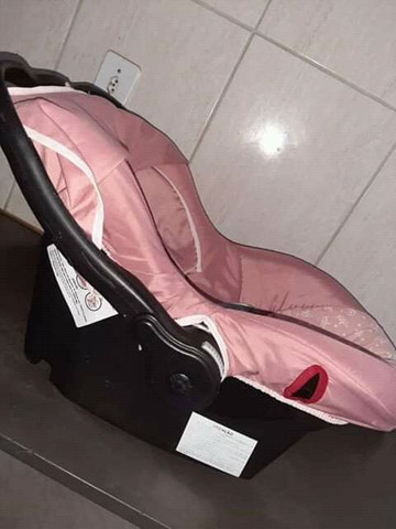 Vendo bebê conforto Tutti, está em otimo estado super conservado! - Foto 3