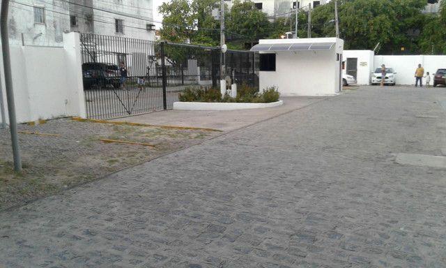 Cond fechado na 1etapa Rio Doce,portaria,na Av,Res Porto Seguro,perto da praia,play - Foto 8