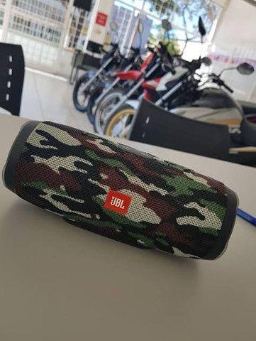 Caixa de som portátil JBL charge 3