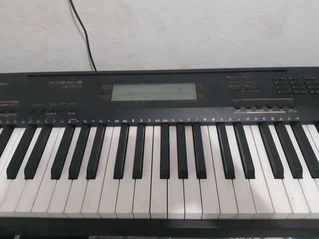 Piano eletrônico Casio CDP 230 + móvel de suporte  - Foto 6