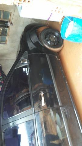 Agil ford fiesta sedan - Foto 6