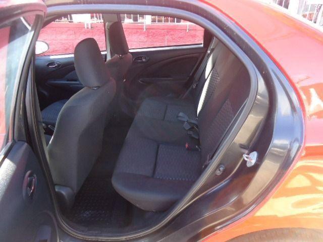 Toyota - Etios Sedan 1.5 X + GNV - Foto 9