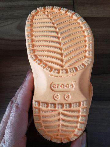 Crocs original infantil com aplicação  - Foto 3