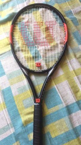 Raquete Wilson Federer original nunca usada acompanha 6 bolinhas lacradas originais  - Foto 4