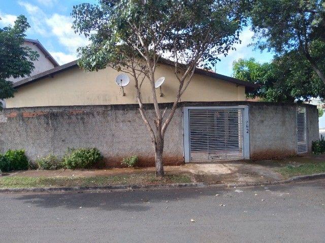 Vende-se ou troca-se duas casas no mesmo terreno - Foto 3