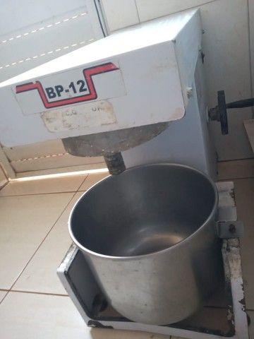 Batedeira planetária 12 litros conservada, ótima oportunidade