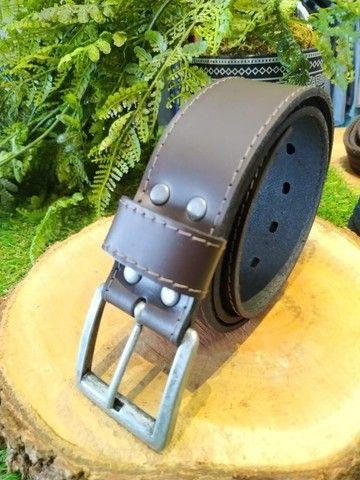 Cintos masculinos em couro, lona, cadarço a partir de R$40,00 - Foto 5