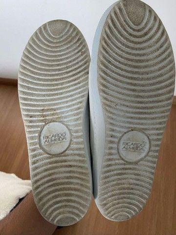 tênis slip on elástico - ricardo almeida - original 38 - couro - branco - usado 1 vez - Foto 5