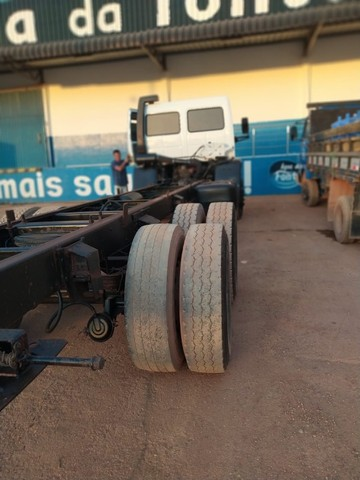 Ford Cargo 1421 - Ano/Mod.: 2001 - Foto 14