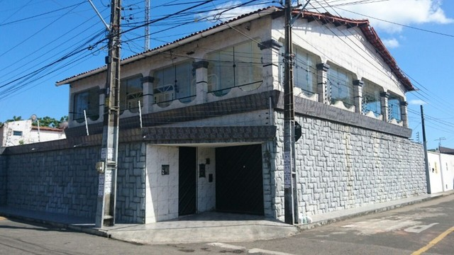 Excelente casa duplex com 520 m²  - Foto 2