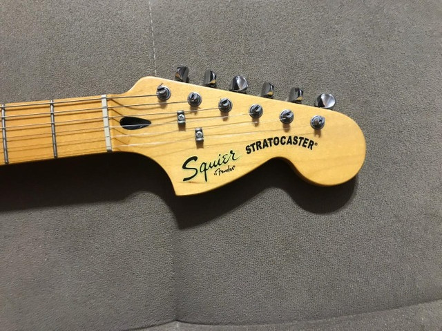 Guitarra Squier Stratocaster Vintage Modified - Foto 3