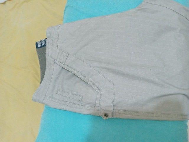 calça beagle brim com risca giz reta tam 42 veste 44 listrada semi nova sem marcas - Foto 4