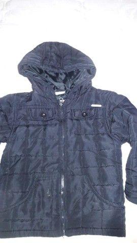 Jaqueta infantil forrada com capuz, preta. - Foto 2