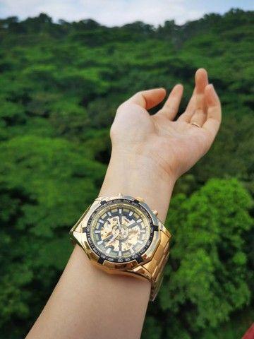 Relógio Top Pesado Original Foursining Dourado - Foto 2