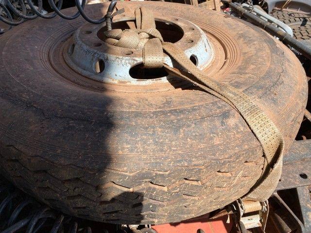 Vendo pneu com 1000x20 - Foto 2