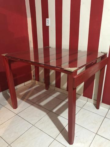 Mesa pra cozinha de madeira com tampo de vidro temperado