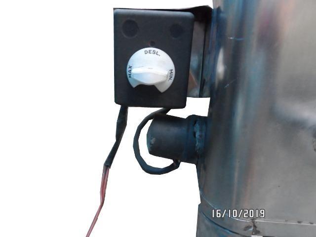 Vendo uma cafeteira usada de inox marca universal 220 volt - Foto 6