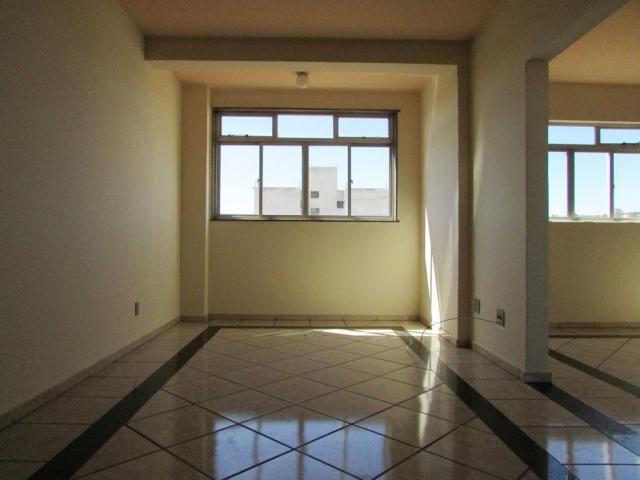 Apartamento para alugar com 3 dormitórios em Niteroi, Divinopolis cod:15666
